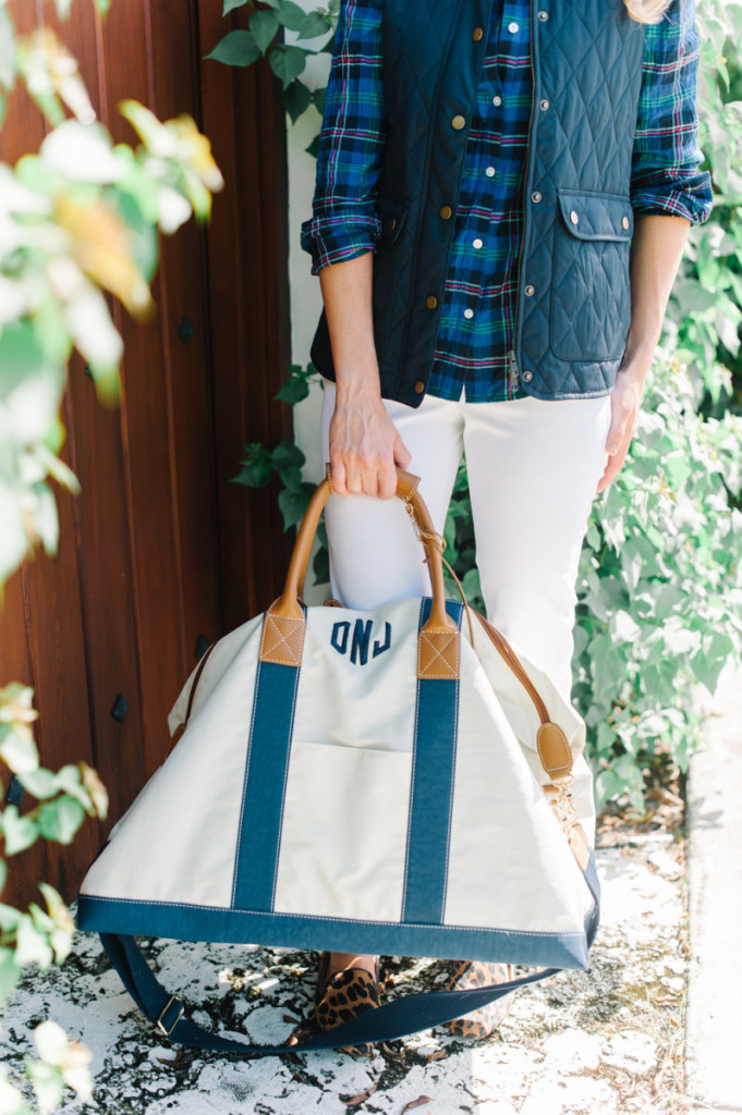 blue_vest_blouse_white_pants_leopard_shoes_bag_palm_beach