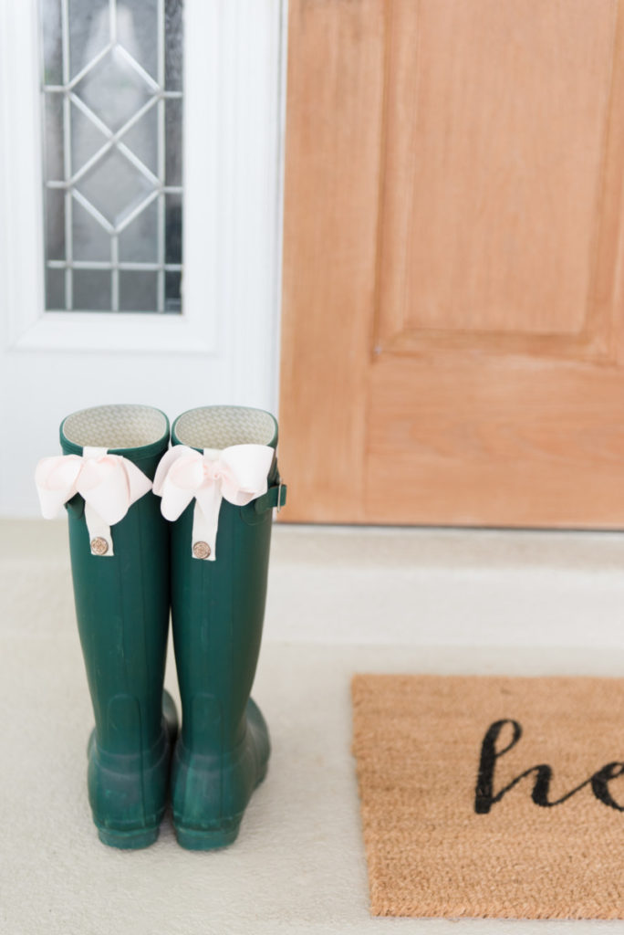 holiday_gift_guide_palm_beach_hunter_boots_blush_bows