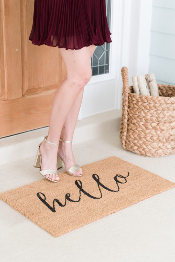 holiday_gift_guide_palm_beach_hello_doormat_gold_heels