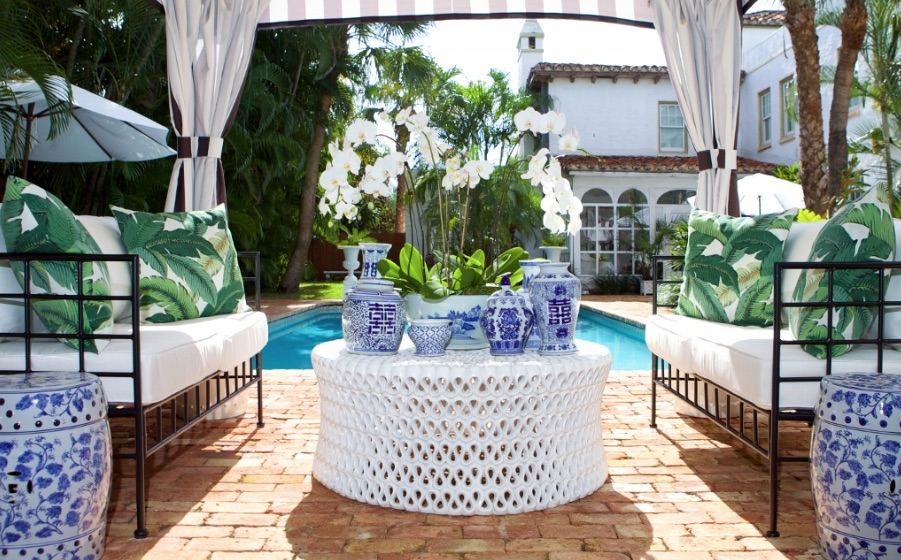 Palm beach home style 5 tips from luxe report designs for Palm beach home collection