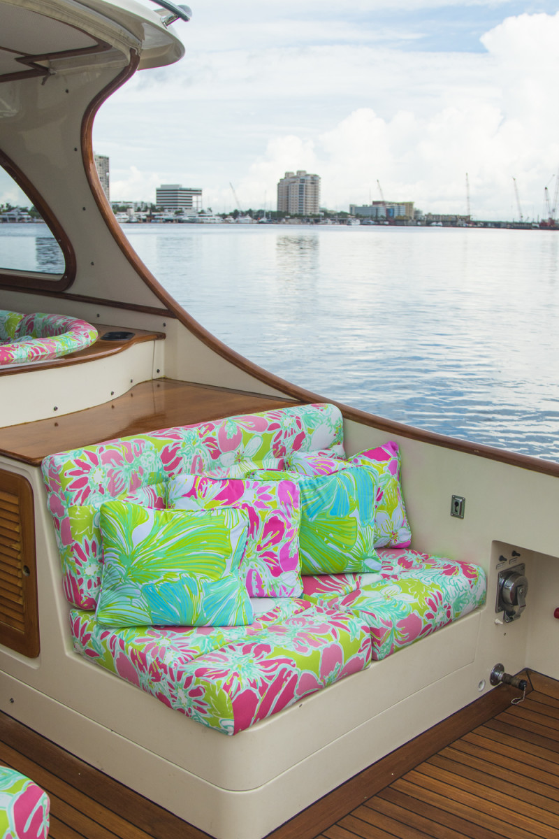 Lilly Pulitzer X Barton Amp Gray S New Hinckley Yacht Palm