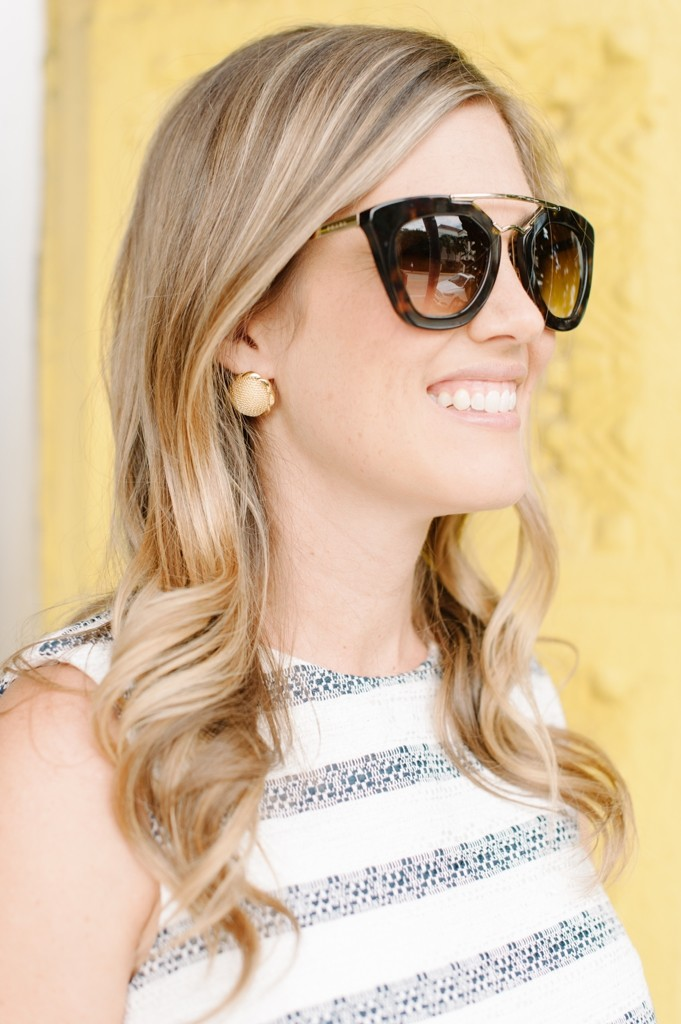 palm_beach_sail_to_sable_spring_fashion_stripes_dress_gold_earrings_sunglasses
