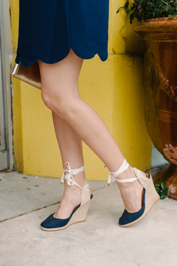 palm_beach_sail_to_sable_spring_fashion_navy_scallops_dress_espadrilles_gold_clutch