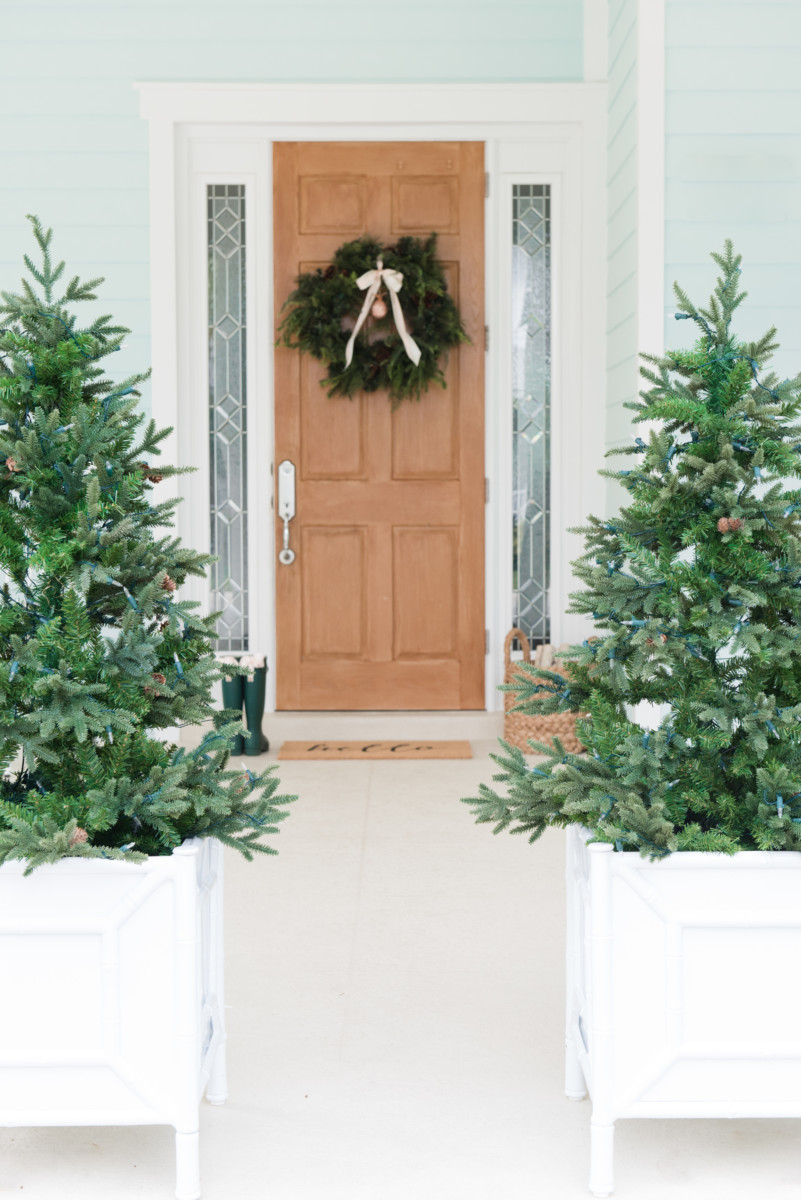 outdoor_home_holiday_decor_palm_beach