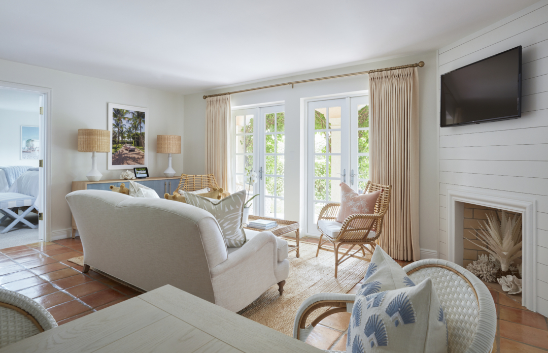 """Travel: Welcome to the """"Sisters Suiite"""" by Serena & Lily and Palm Beach Lately at The Colony HotelTravel: Welcome to the """"Sisters Suiite"""" by Serena & Lily and Palm Beach Lately at The Colony Hotel"""